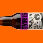 Paquita Brown de cervezas Tyris cambia de traje